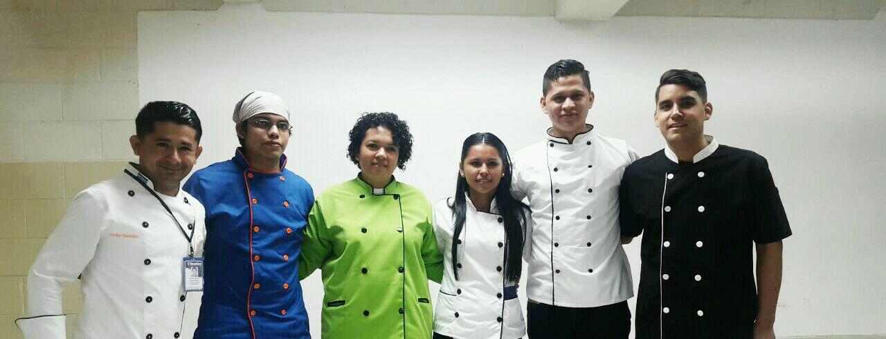 Acreditan 23 nuevos profesionales en el área de cocina
