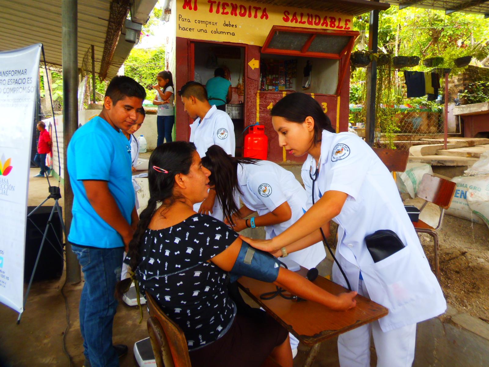 Realizan jornada médica en caserío Ayutica