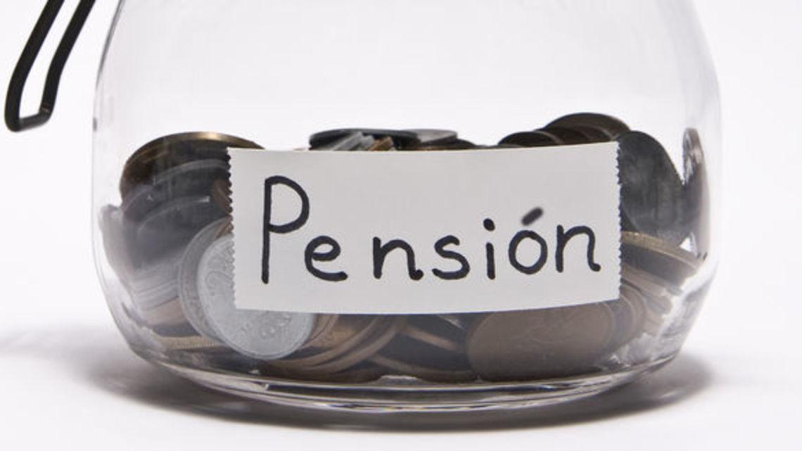 Deuda de pensiones es cercana a los ingresos del país