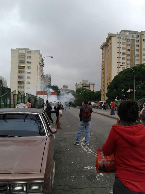 Policía chavista reprimió una protesta contra el decreto de Nicolás Maduro