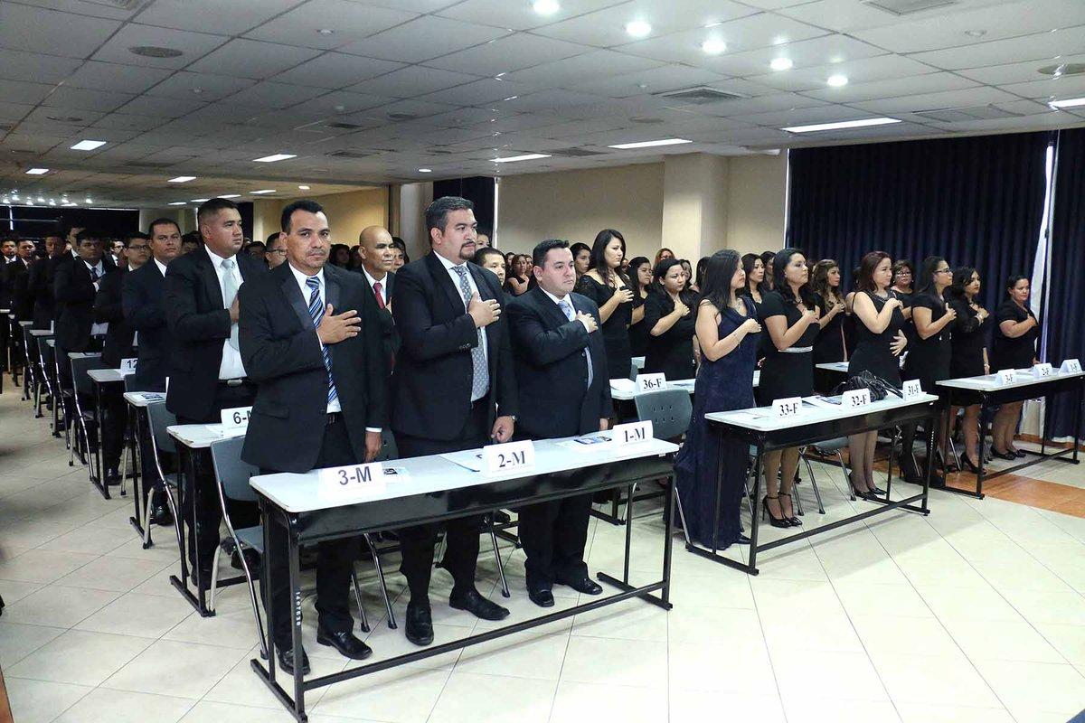CSJ cierra el mes de abril con la juramentación de 131 profesionales del derecho