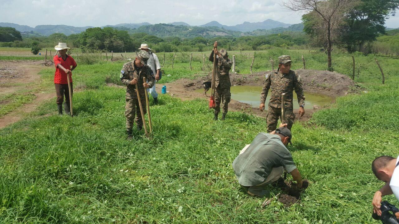 Segunda Brigada realiza la primera Plantatón en Texistepeque