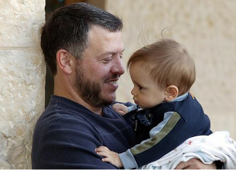 Más de la mitad de los niños pequeños no juegan o realizan actividades de aprendizaje temprano con su padre