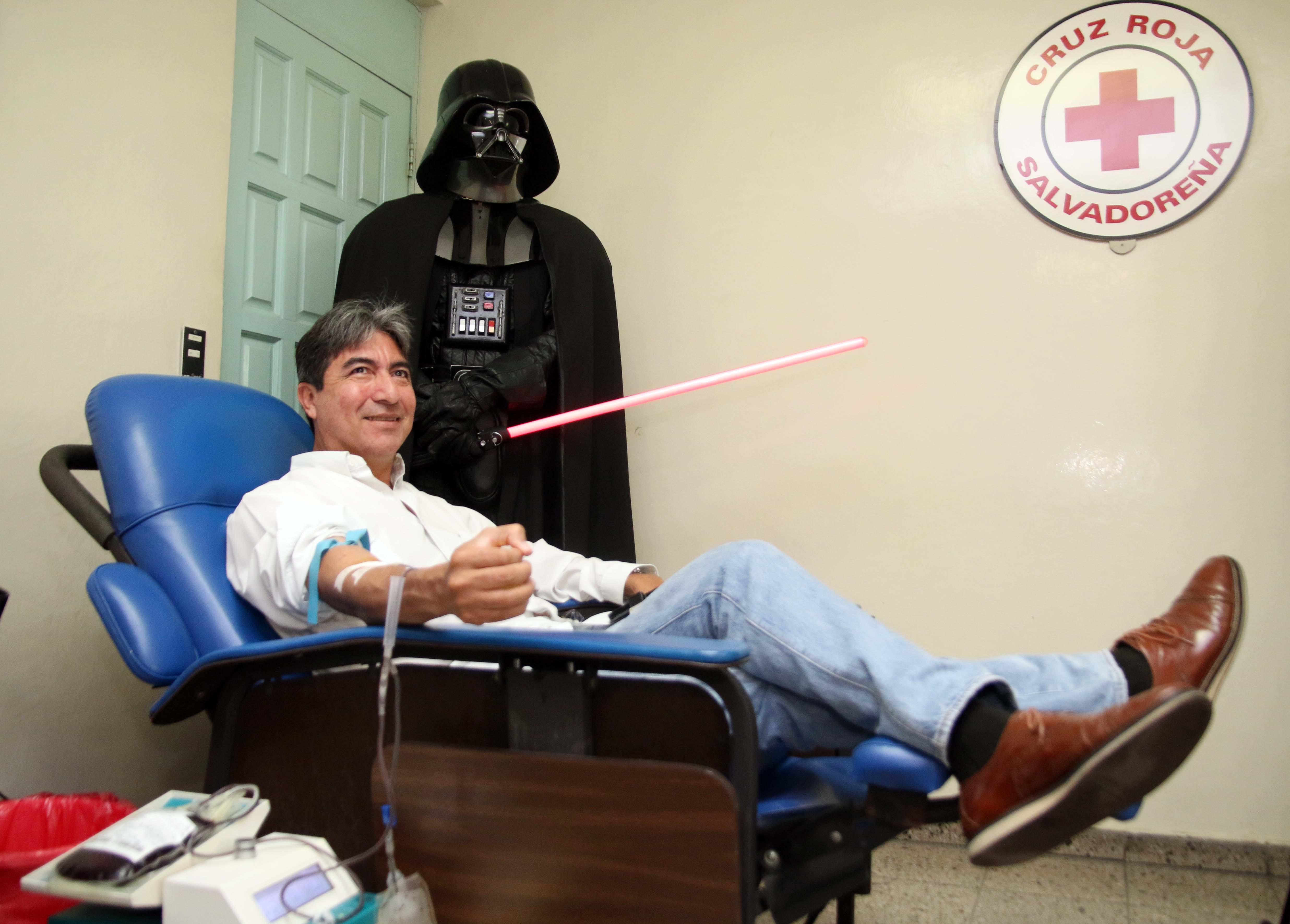 Fans de Star Wars donan sangre en beneficio de Cruz Roja Salvadoreña