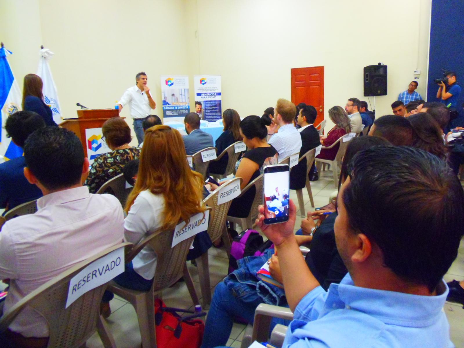 Jóvenes santanecos participaron en el tercer congreso de la CAMARASAL