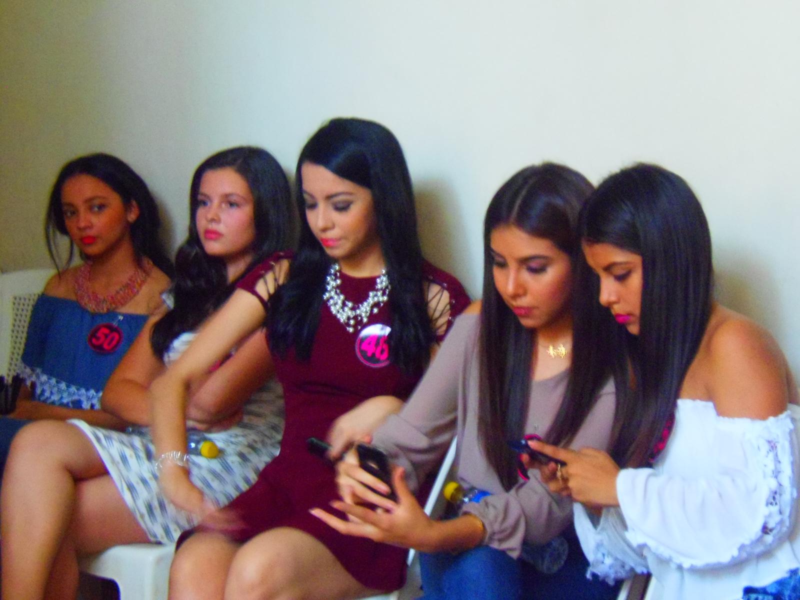 50 señoritas asistieron al casting para Reina de las comunidades