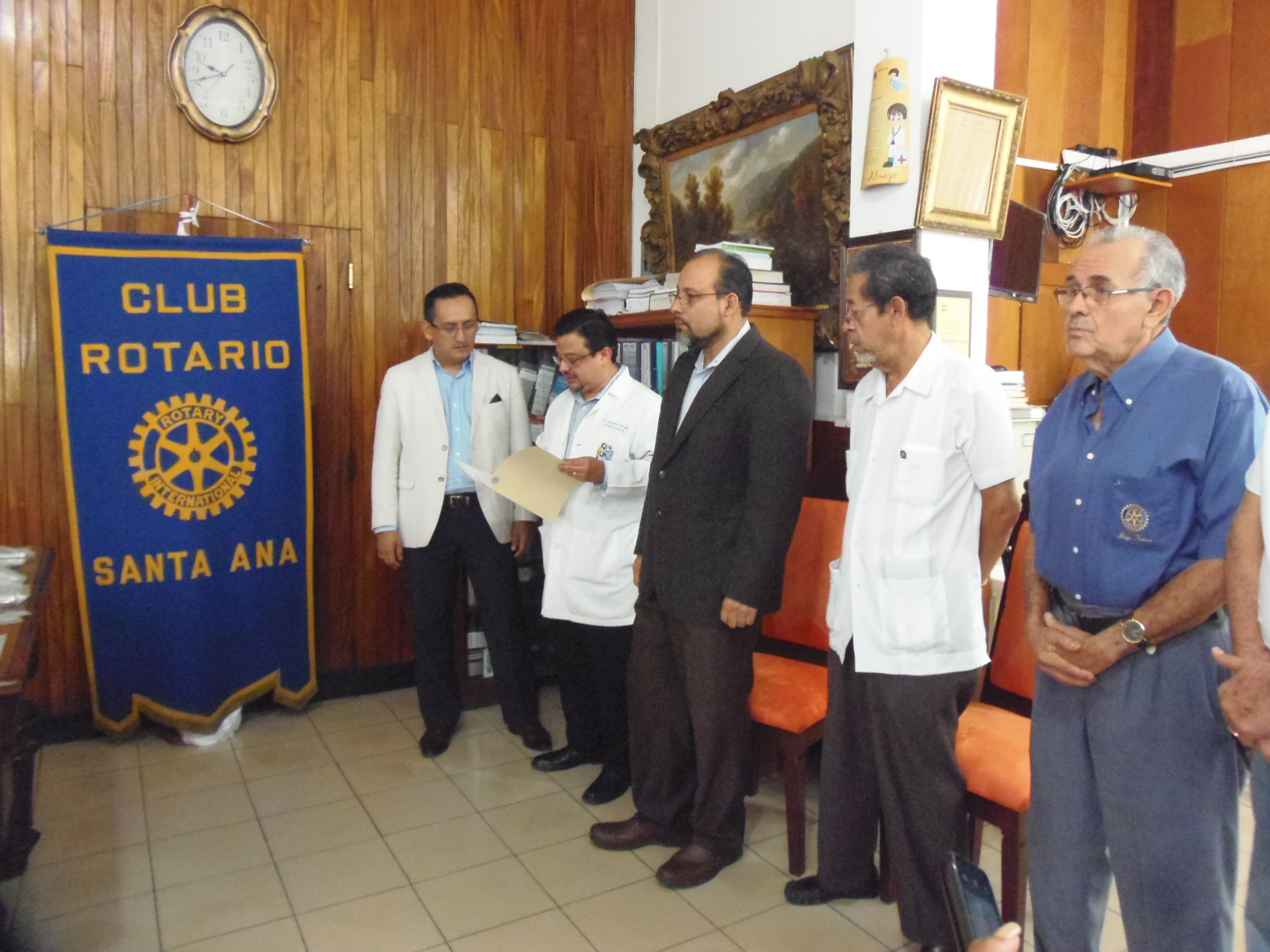 Rotarios entregan instrumentos quirúrgicos a hospital San Juan de Dios