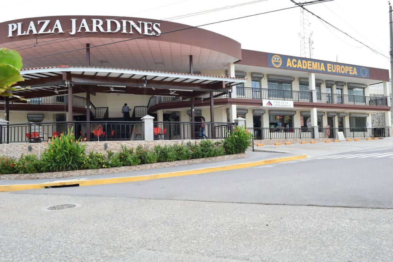 Plaza Jardines en el nuevo centro de Metapán