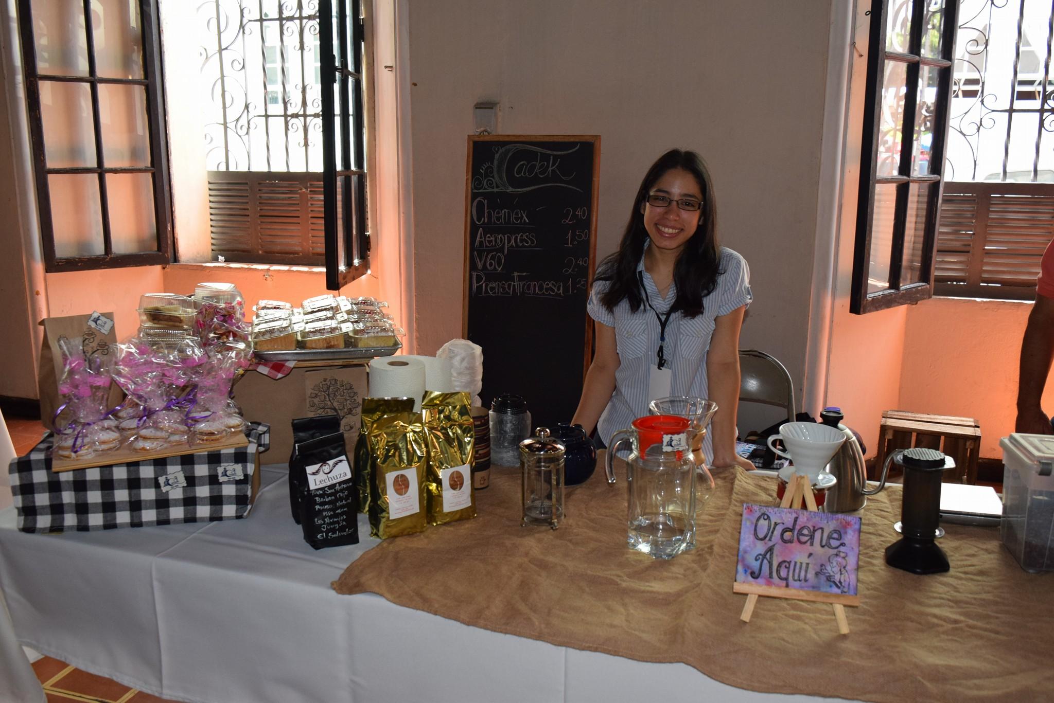 Empresarios participan en Expo Café