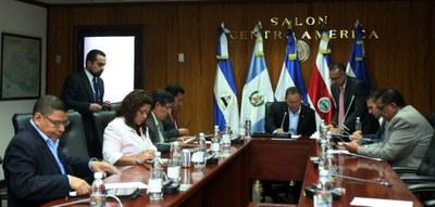 Comisión Política recibe informe de Subcomisión que estudio perfiles para magistrados de CCR