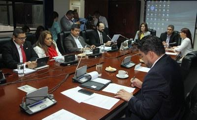 Dictamen Favorable para eliminación de visados entre El Salvador y República Dominicana
