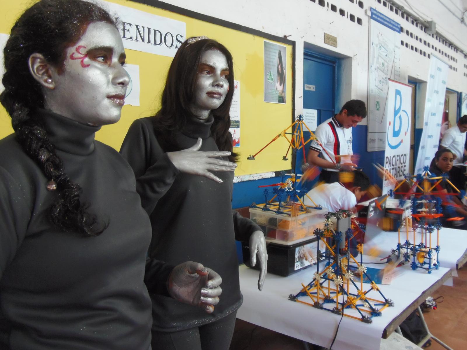 Jóvenes de C. E INSA participan en la Tercera Feria Robótica Educativa