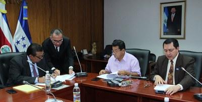 Subcomisión elabora informe sobre candidatos a la presidencia y magistraturas de la Corte de Cuentas