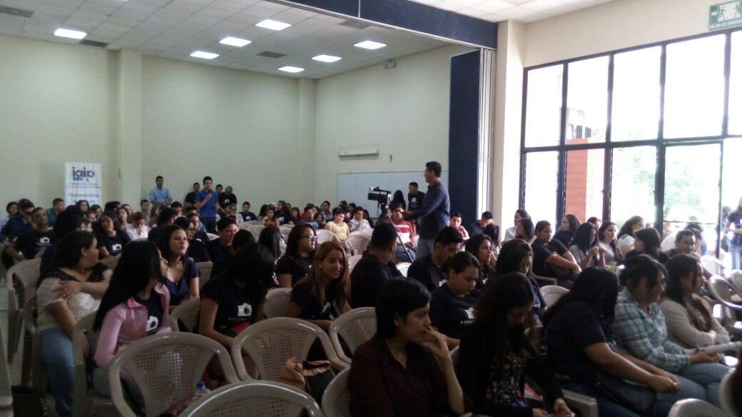 """Alrededor de 150 jóvenes celebraron """"El Día del Periodista"""""""