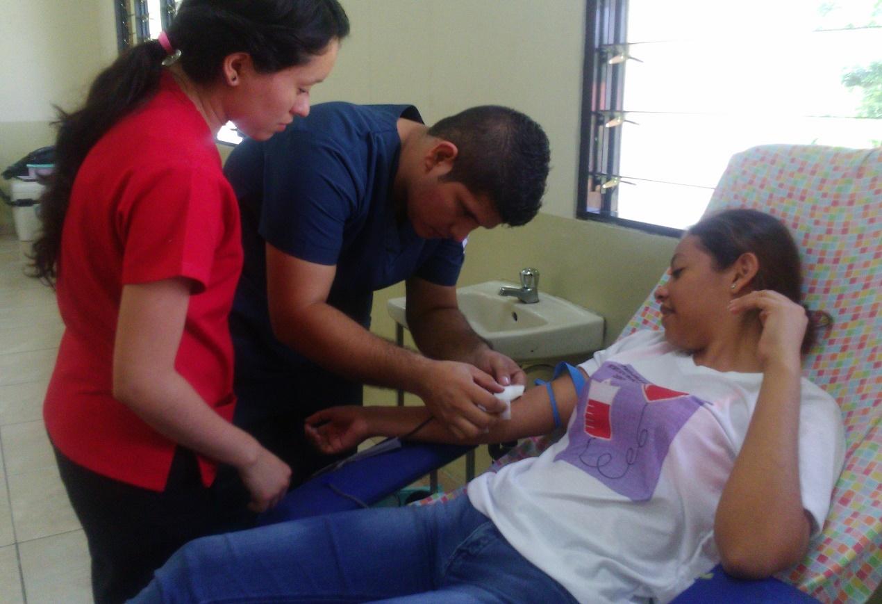 Banco de Sangre y estudiantes de enfermería desarrollan campaña de hemodonación