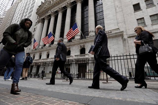 El desempleo en EE.UU. baja en julio y vuelve a mínimos en 16 años