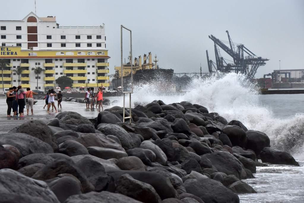 Tormenta tropical Harvey se acerca a Centroamérica