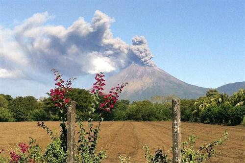 Al menos 50.000 personas afectadas por la erupción del volcán San Cristóbal en Nicaragua