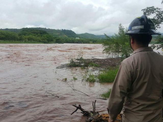 Persiste alerta verde por onda tropical en Honduras