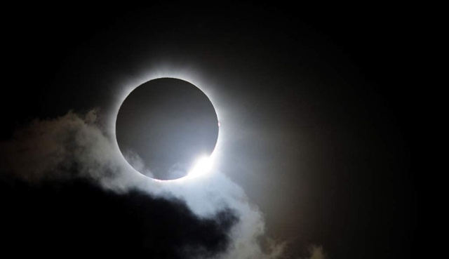 VIRAL: La mejor toma captada del elipse solar en Estados Unidos