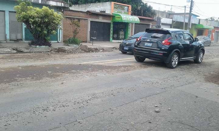 Lluvias dejan las calles obstruidas