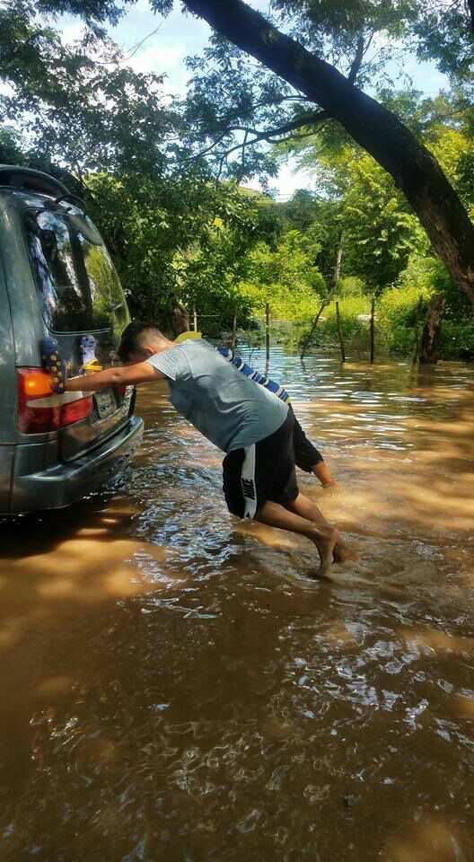 Río Grande presenta desbordamiento