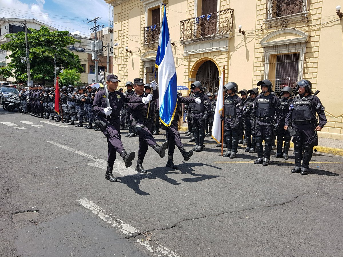 Ministerio de Justicia realizó su acto cívico en los 196 años de Independencia