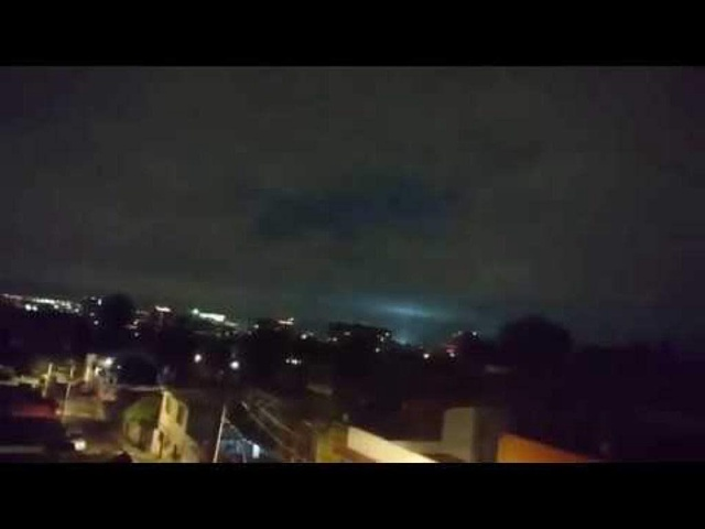 ¿Qué son las extrañas luces en el cielo mexicano durante el terremoto?