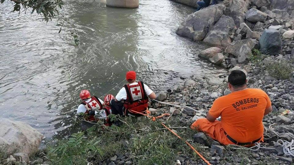Encuentran cadáver de joven  en río Lempa