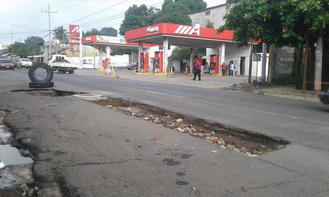 Lugareños solicitan reparación de cárcava en la calle Aldea San Antonio