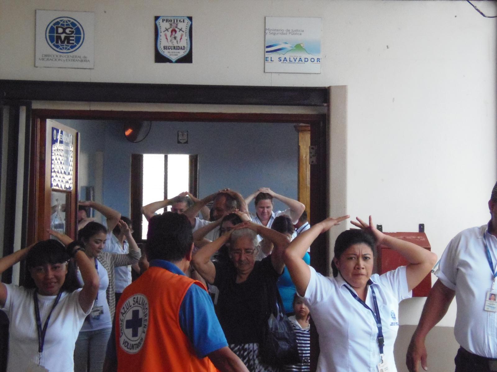 31 años después del terremoto en El Salvador, realizan simulacro poniendo a prueba la capacidad de reacción