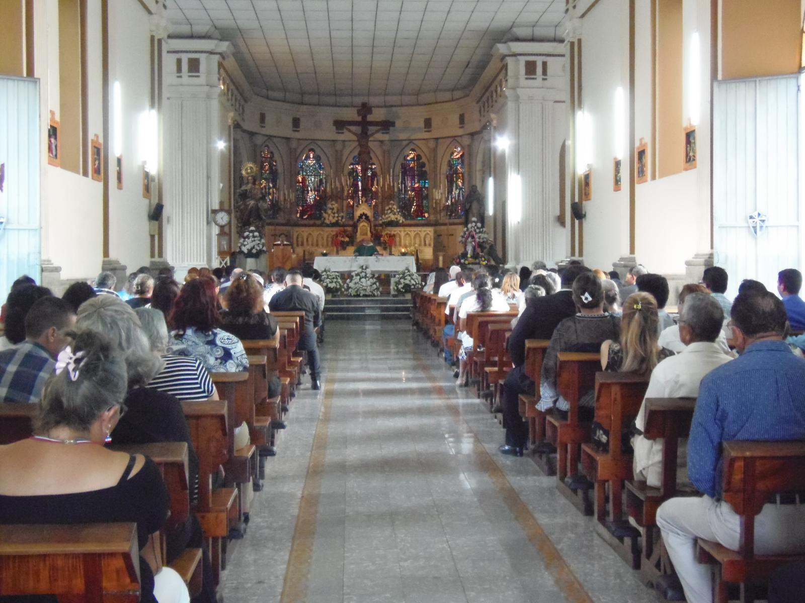 Realizan misa por el eterno descanso del expresidente Armando Calderón Sol