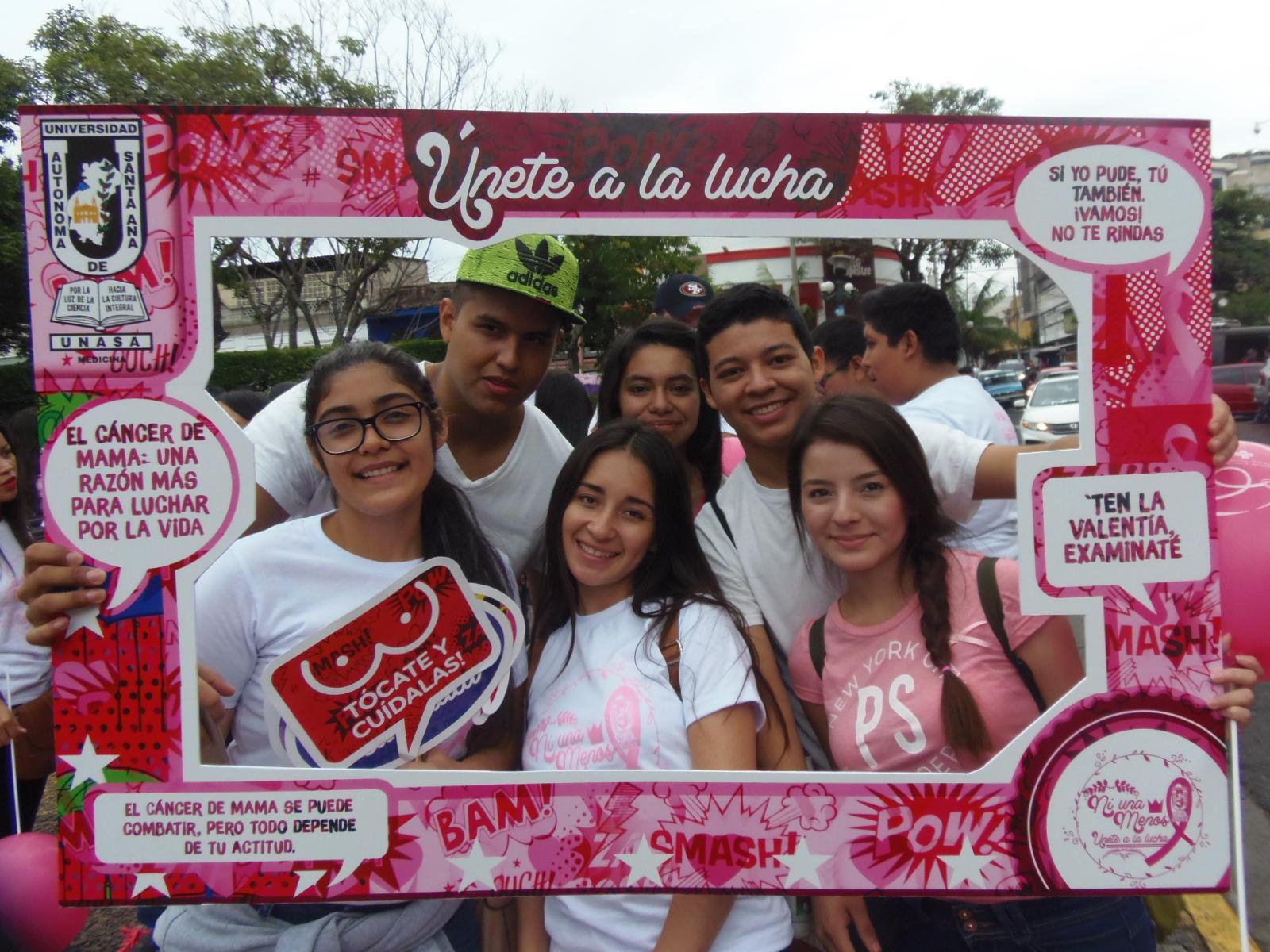 Hospital Cáder realizó su séptima caminata rosa