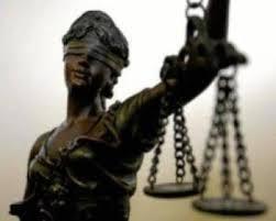 Ordenan detención provisional para abogada de Santa Ana por falsedad material