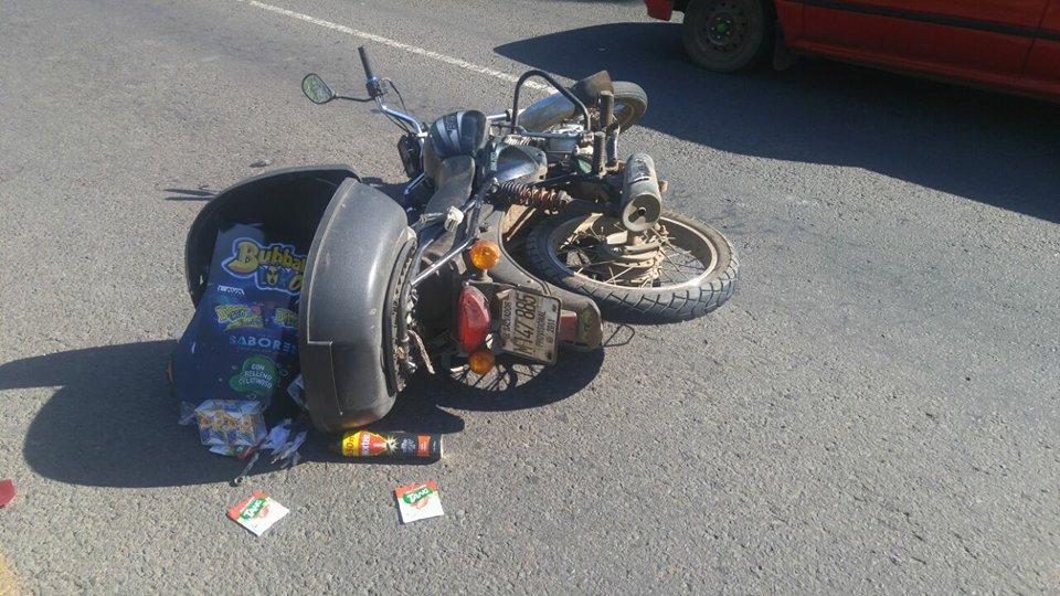 Motociclista atropella a persona en carretera a Chalchuapa