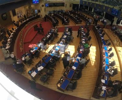 Buscan acuerdo entre partidos políticos de mayor fuerza en el país para aprobar presupuesto