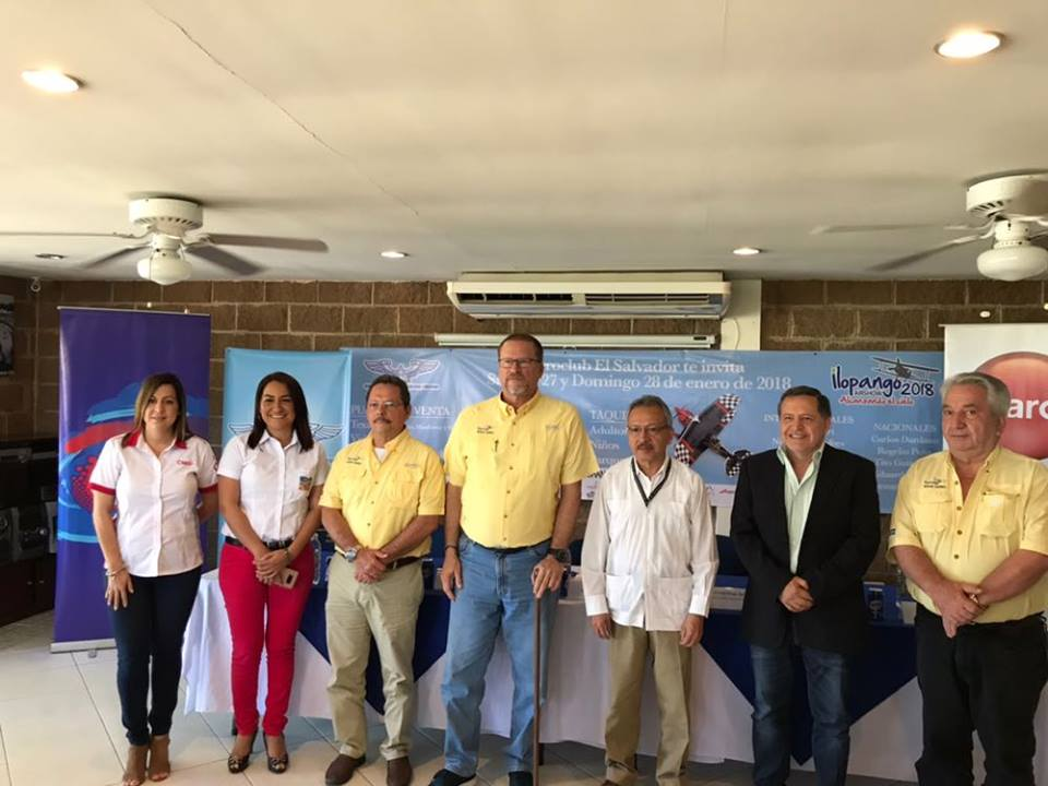 SANTA ANA PRESENTE EN EL SHOW AEREO ILOPANGO 2018 A BENEFICIO DEL HOSPITAL BLOOM