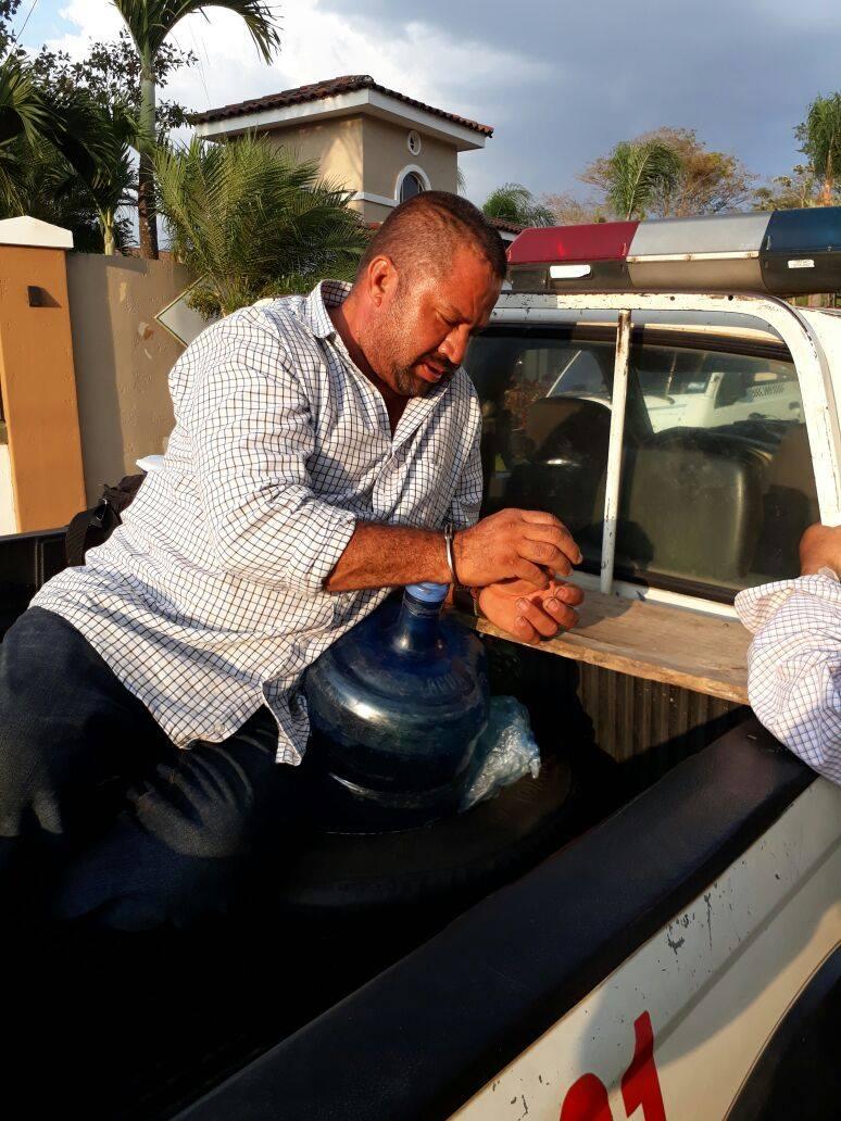 Conductor temerario intenta escapar del control vehicular de la PNC