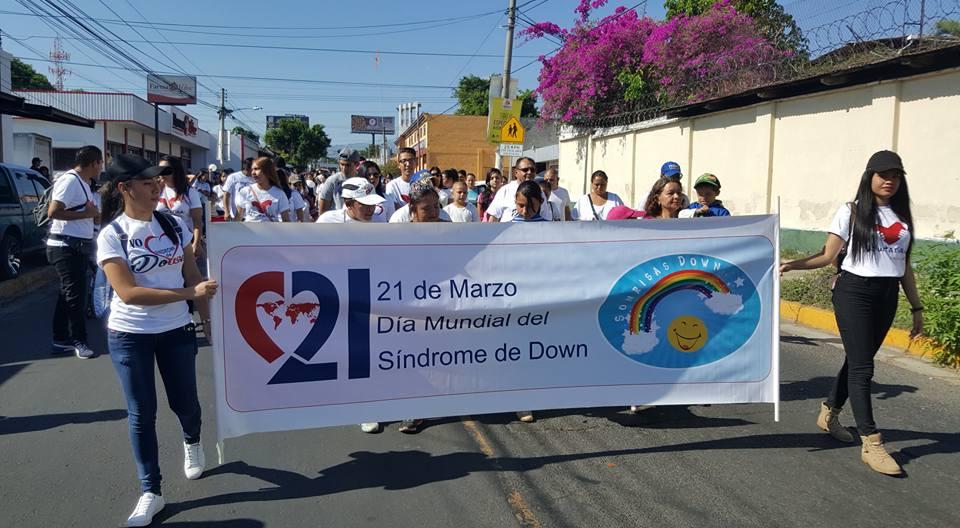 Con una caminata conmemoran el día mundial del Síndrome Down
