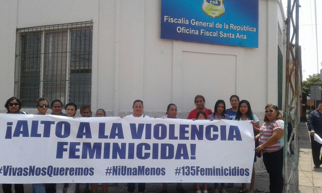 Mujeres Defensoras de Derechos Humanos piden Justicia por casos de Feminicidios en Santa Ana