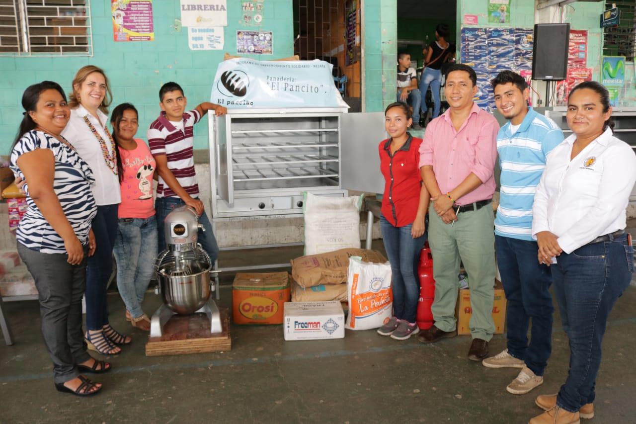 Iniciativas productivas de Nejapa reciben apoyo del gobierno  en el marco del programa El Salvador Seguro