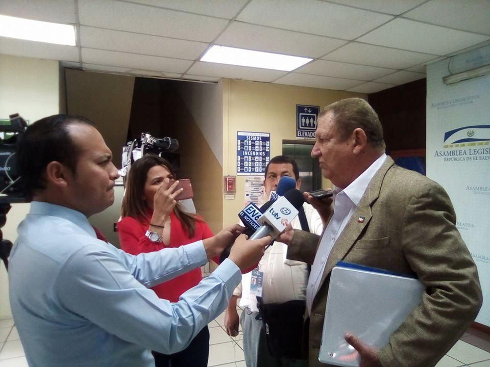 Diputado Mario Marroquín habla acerca de las medidas de austeridad durante la nueva legislatura