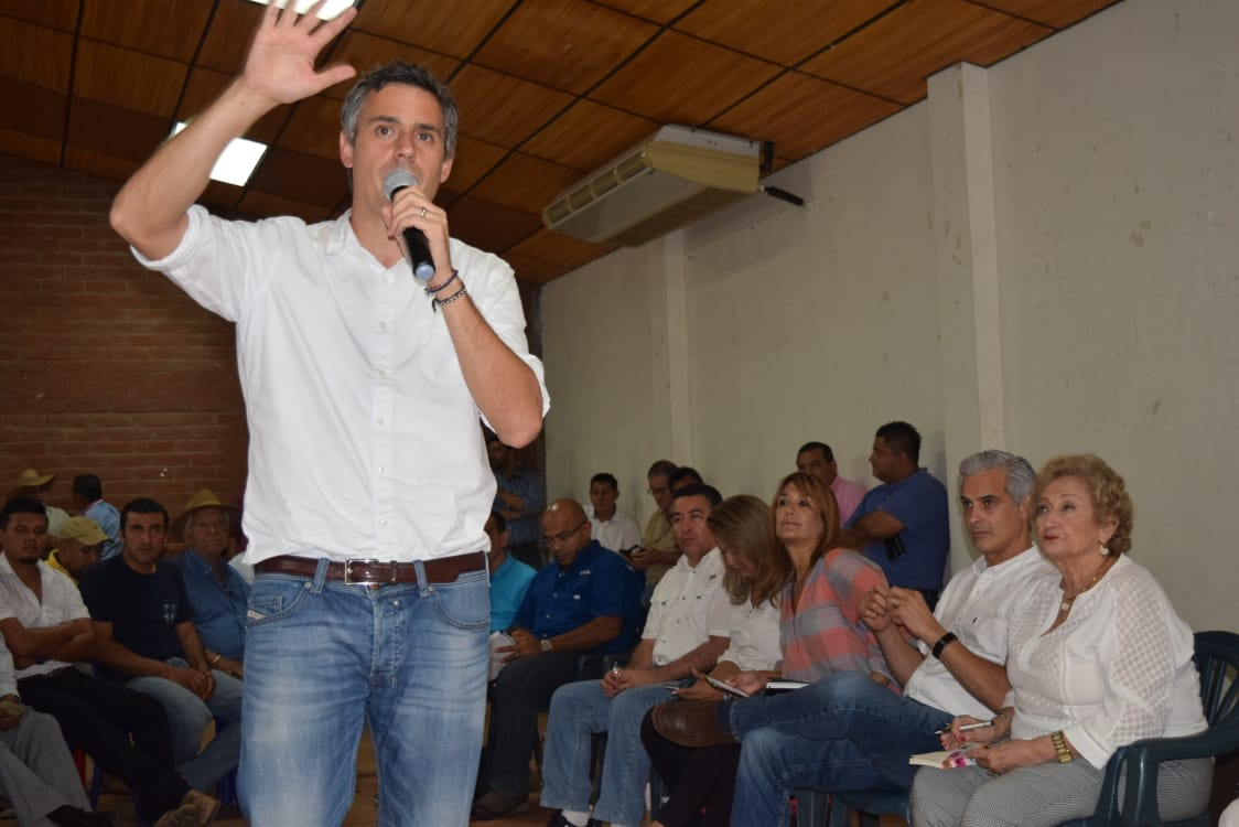 Exitoso recorrido por Santa Ana, del candidato presidencial Carlos Calleja