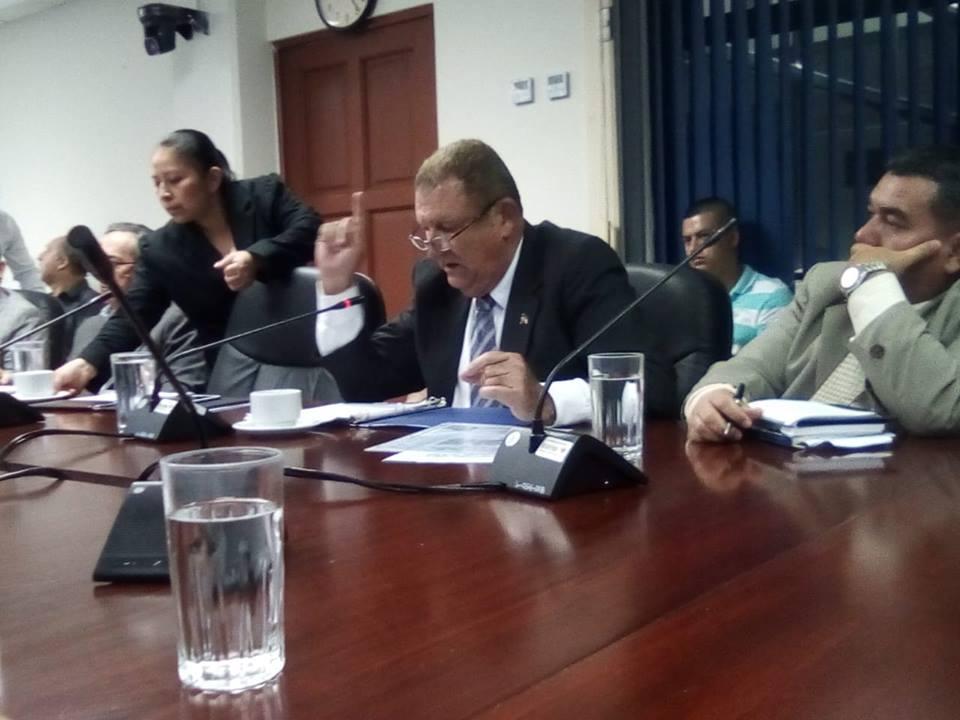 Comisión agropecuaria planteó se recomiende al Ministerio de Hacienda un refuerzo presupuestario que contribuya a los agricultores