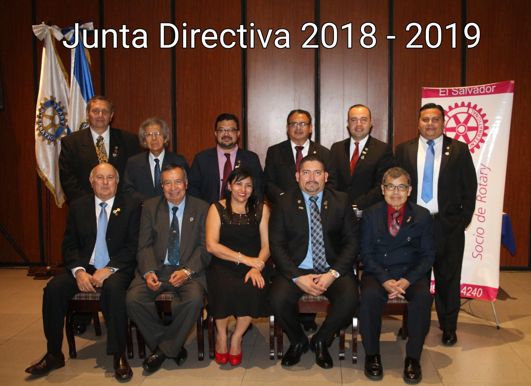 Se instala nueva junta directiva de Club Rotario
