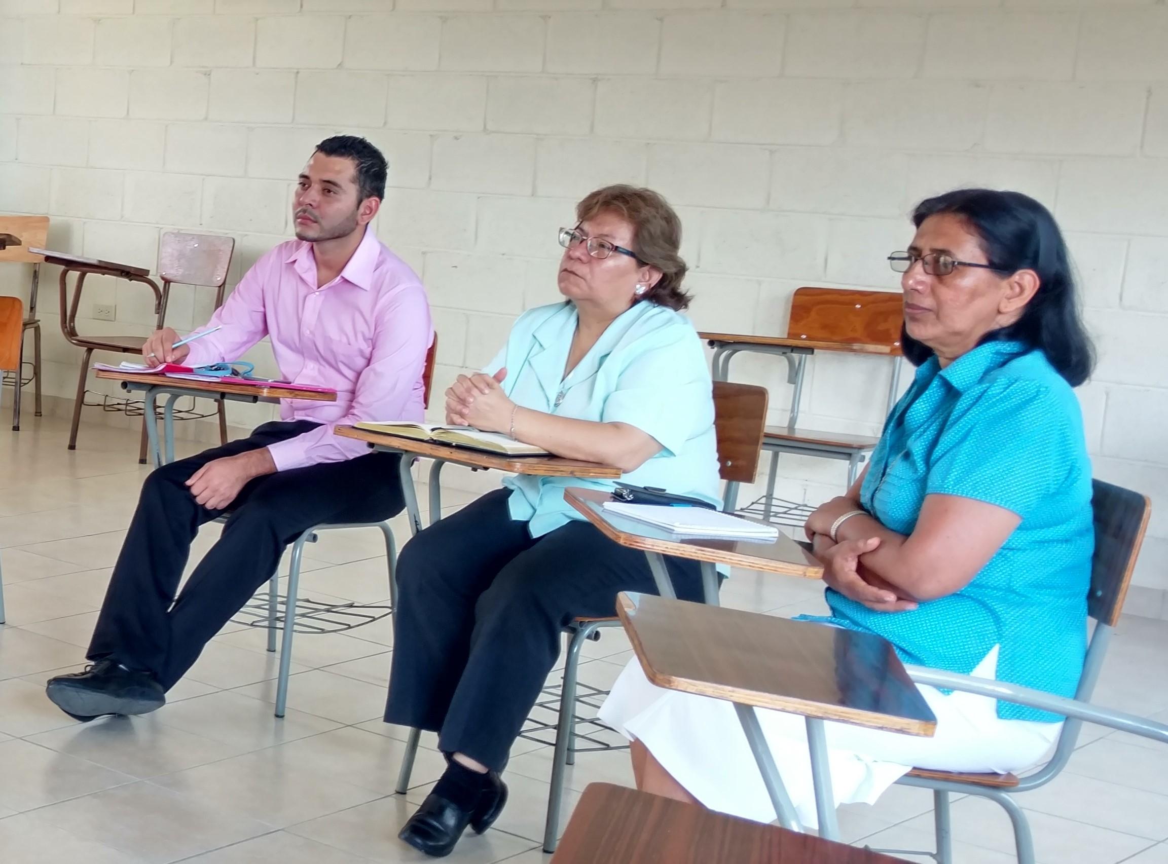 Biblioteca Legislativa ofrece sus servicios a docentes