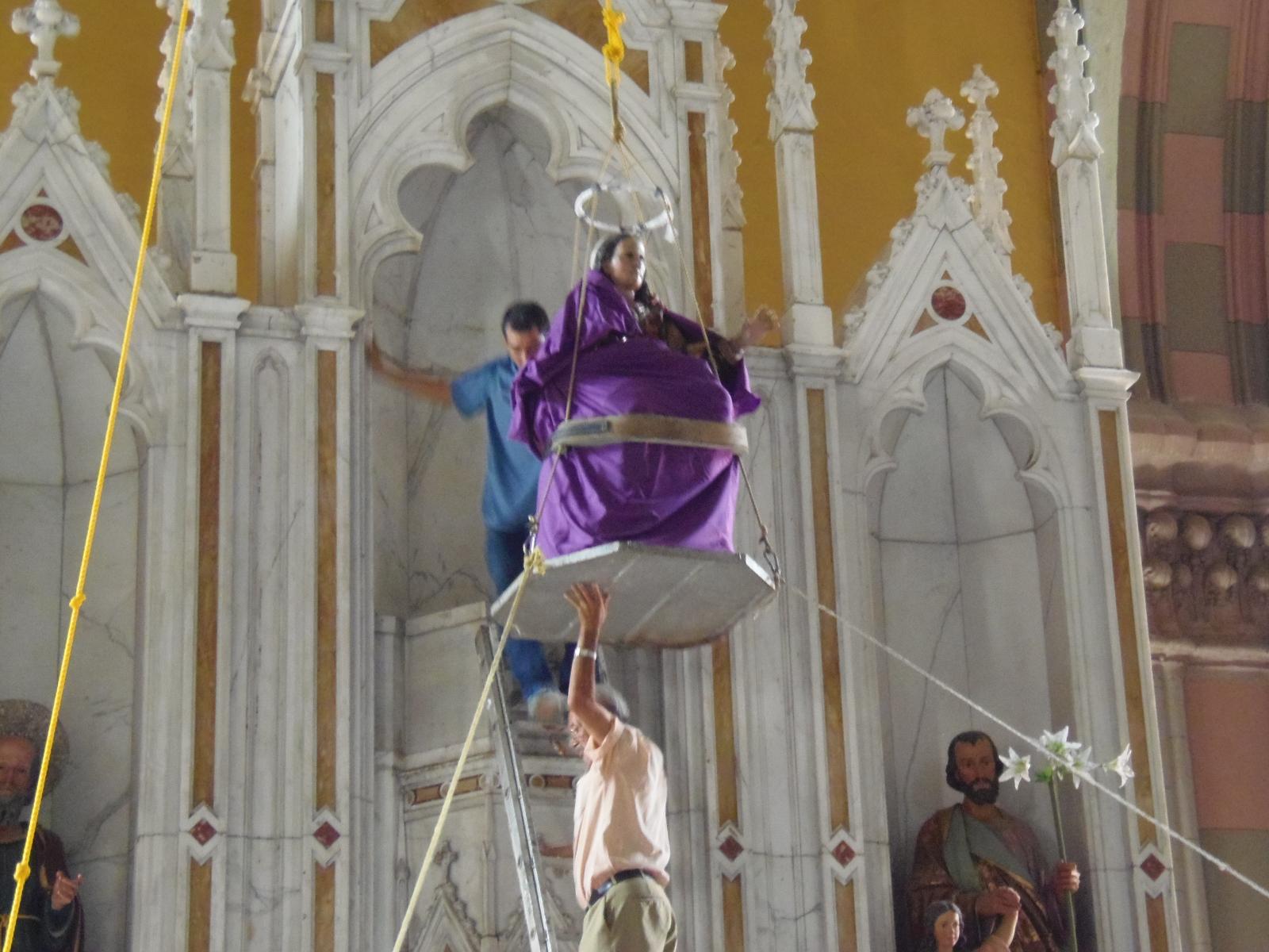 """Inician fiestas Julias con la tradicional """"bajada de Señora Santa Ana"""""""