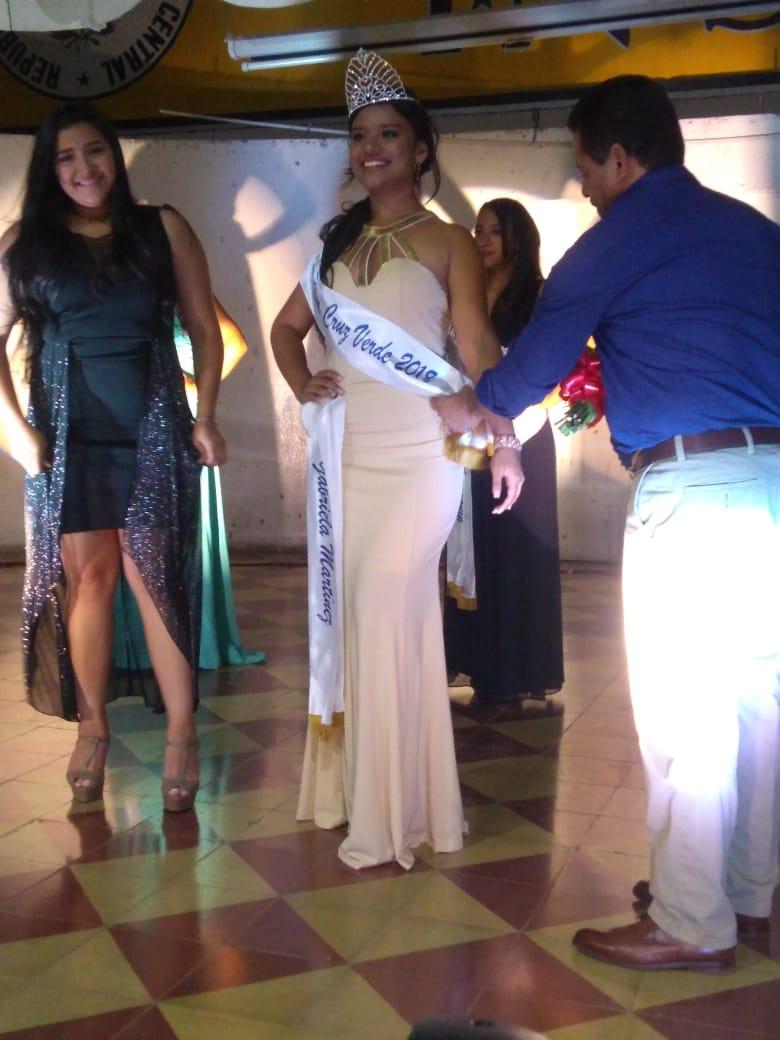 Cruz Verde Santa Ana eligió su reina