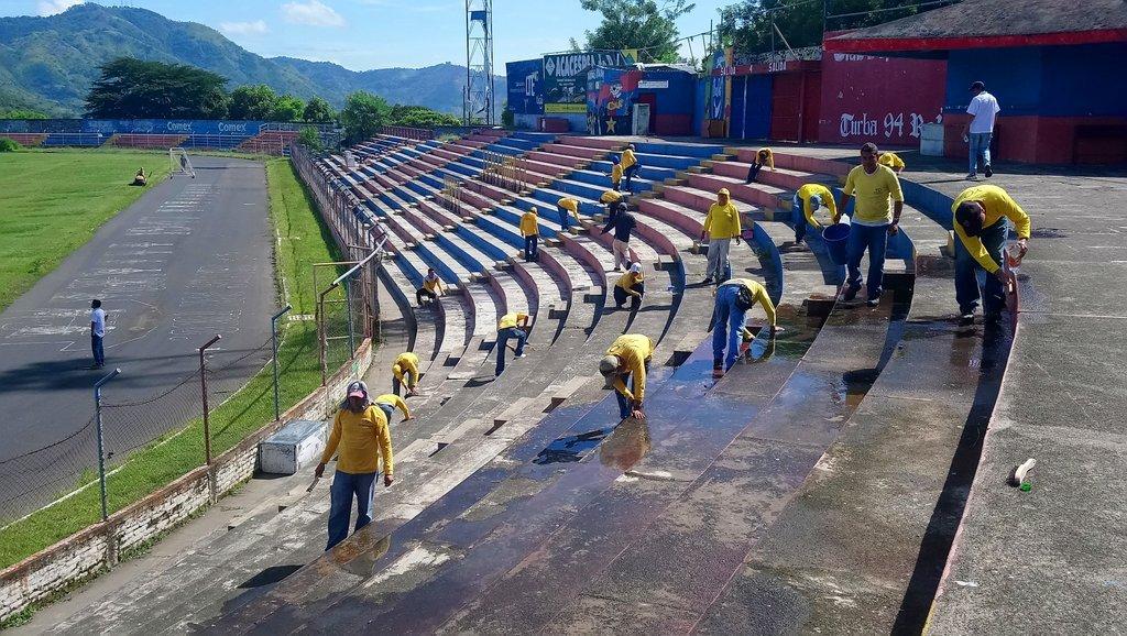 Conocen avances en remodelación de estadio Quiteño