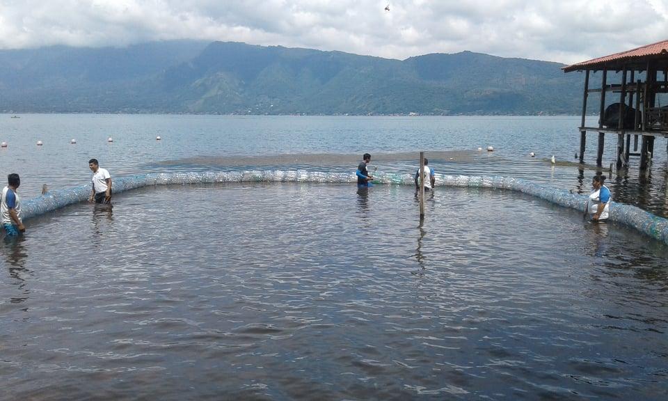 Colocan primera  biobarda en El Salvador, familias del lago de Coatepeque serán beneficiadas